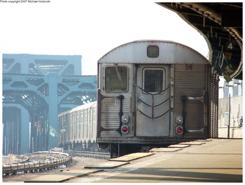 (158k, 1044x788)<br><b>Country:</b> United States<br><b>City:</b> New York<br><b>System:</b> New York City Transit<br><b>Line:</b> IND Crosstown Line<br><b>Location:</b> Smith/9th Street<br><b>Route:</b> F<br><b>Car:</b> R-32 (Budd, 1964) 3648 <br><b>Photo by:</b> Michael Hodurski<br><b>Date:</b> 6/26/2007<br><b>Viewed (this week/total):</b> 3 / 2256