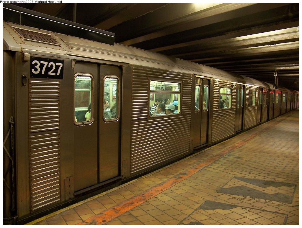 (199k, 1044x788)<br><b>Country:</b> United States<br><b>City:</b> New York<br><b>System:</b> New York City Transit<br><b>Line:</b> IND 63rd Street Line<br><b>Location:</b> 21st Street/Queensbridge<br><b>Route:</b> R<br><b>Car:</b> R-32 (Budd, 1964) 3727 <br><b>Photo by:</b> Michael Hodurski<br><b>Date:</b> 7/22/2007<br><b>Viewed (this week/total):</b> 1 / 3822