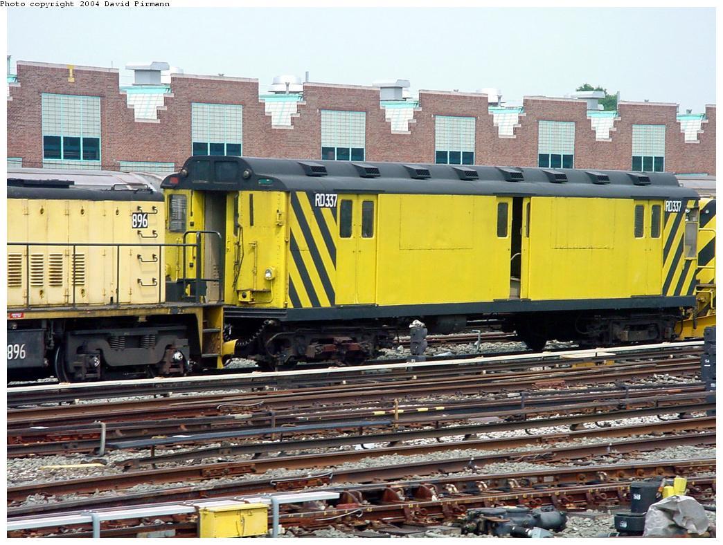 (168k, 1044x788)<br><b>Country:</b> United States<br><b>City:</b> New York<br><b>System:</b> New York City Transit<br><b>Location:</b> Jamaica Yard/Shops<br><b>Car:</b> R-71 Rider Car (R-17/R-21/R-22 Rebuilds) RD337 (ex-5950)<br><b>Photo by:</b> David Pirmann<br><b>Date:</b> 8/27/2000<br><b>Viewed (this week/total):</b> 0 / 4980