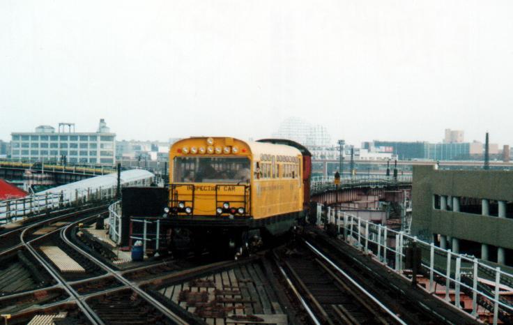 (46k, 736x466)<br><b>Country:</b> United States<br><b>City:</b> New York<br><b>System:</b> New York City Transit<br><b>Line:</b> IRT Flushing Line<br><b>Location:</b> Queensborough Plaza<br><b>Route:</b> Fan Trip<br><b>Car:</b> Observation Car 0F116 <br><b>Photo by:</b> Peter Farrell<br><b>Date:</b> 8/27/2000<br><b>Viewed (this week/total):</b> 0 / 7055