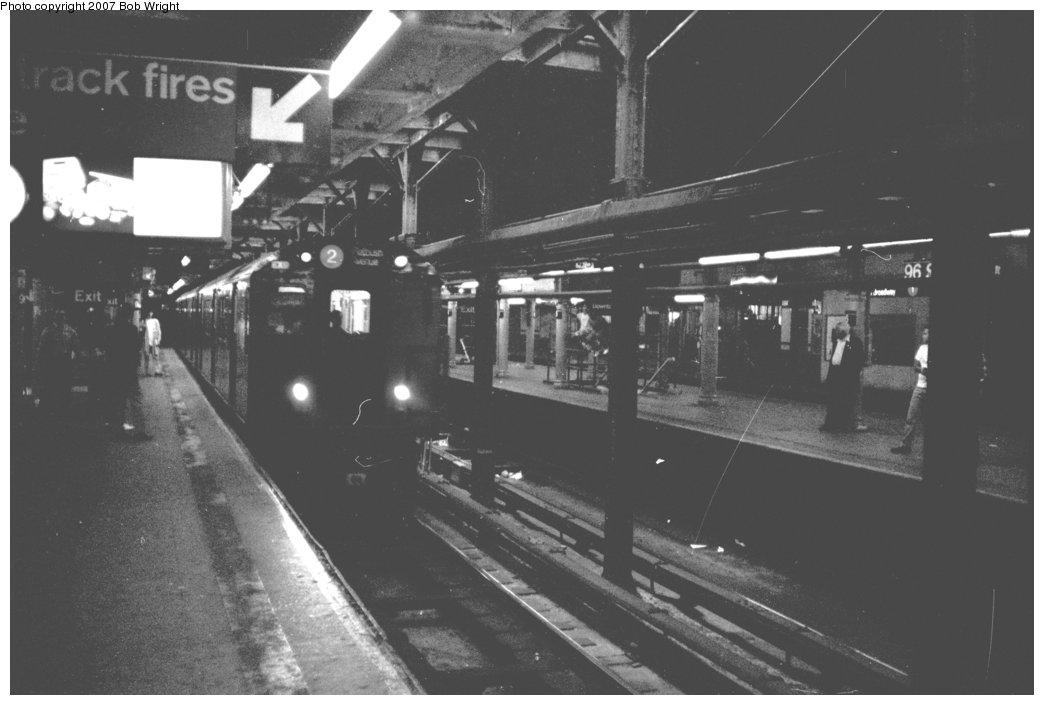 (94k, 1044x705)<br><b>Country:</b> United States<br><b>City:</b> New York<br><b>System:</b> New York City Transit<br><b>Line:</b> IRT West Side Line<br><b>Location:</b> 96th Street<br><b>Photo by:</b> Bob Wright<br><b>Date:</b> 5/24/1987<br><b>Viewed (this week/total):</b> 4 / 3190