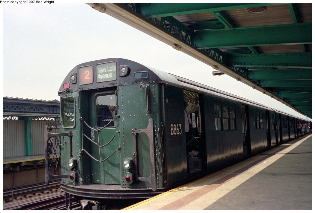 (137k, 1044x706)<br><b>Country:</b> United States<br><b>City:</b> New York<br><b>System:</b> New York City Transit<br><b>Line:</b> IRT Brooklyn Line<br><b>Location:</b> Junius Street<br><b>Route:</b> Fan Trip<br><b>Car:</b> R-33 Main Line (St. Louis, 1962-63) 8863 <br><b>Photo by:</b> Bob Wright<br><b>Date:</b> 5/24/1987<br><b>Viewed (this week/total):</b> 0 / 3718
