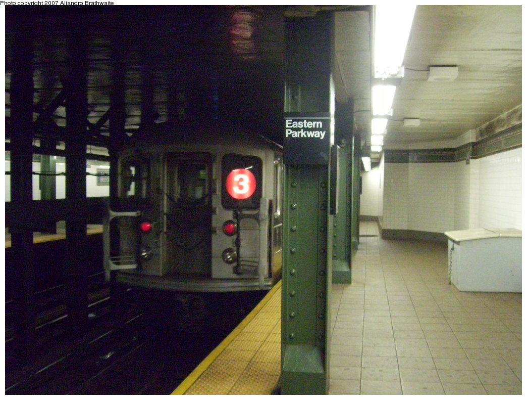 (184k, 1044x791)<br><b>Country:</b> United States<br><b>City:</b> New York<br><b>System:</b> New York City Transit<br><b>Line:</b> IRT Brooklyn Line<br><b>Location:</b> Eastern Parkway/Brooklyn Museum<br><b>Route:</b> 3<br><b>Car:</b> R-62 (Kawasaki, 1983-1985) 1486 <br><b>Photo by:</b> Aliandro Brathwaite<br><b>Date:</b> 8/1/2007<br><b>Viewed (this week/total):</b> 2 / 4406