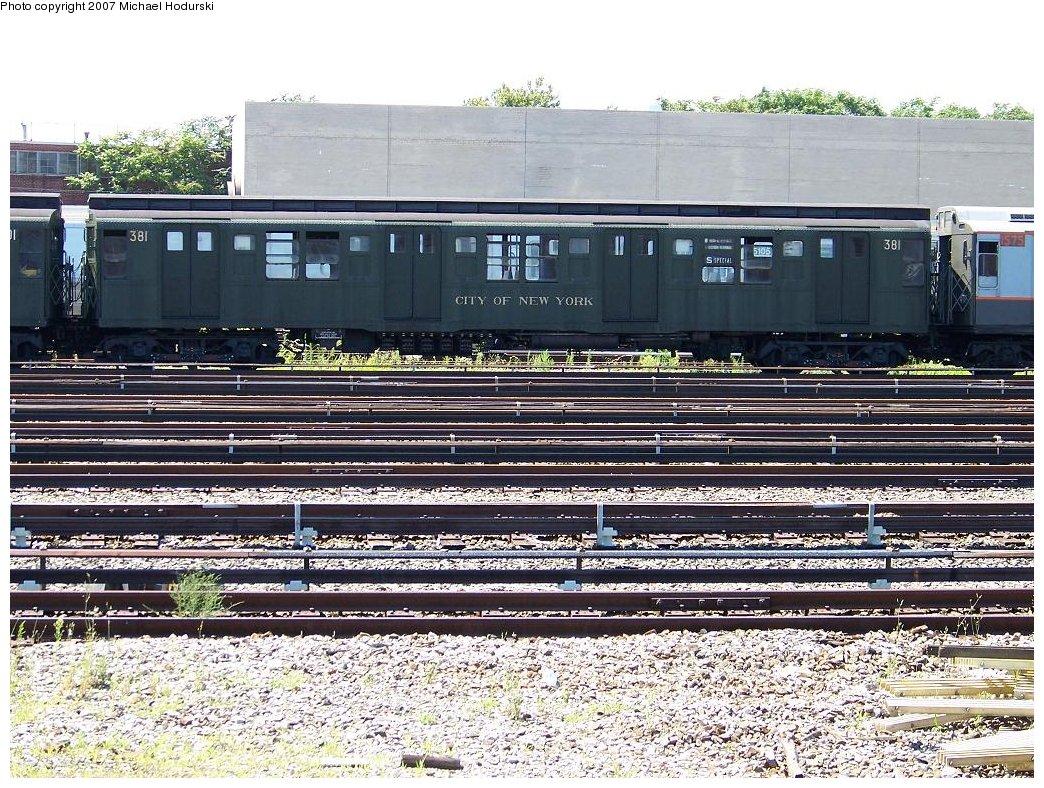 (288k, 1044x788)<br><b>Country:</b> United States<br><b>City:</b> New York<br><b>System:</b> New York City Transit<br><b>Location:</b> Coney Island Yard<br><b>Route:</b> Fan Trip<br><b>Car:</b> R-1 (American Car & Foundry, 1930-1931) 381 <br><b>Photo by:</b> Michael Hodurski<br><b>Date:</b> 8/12/2007<br><b>Viewed (this week/total):</b> 4 / 1950
