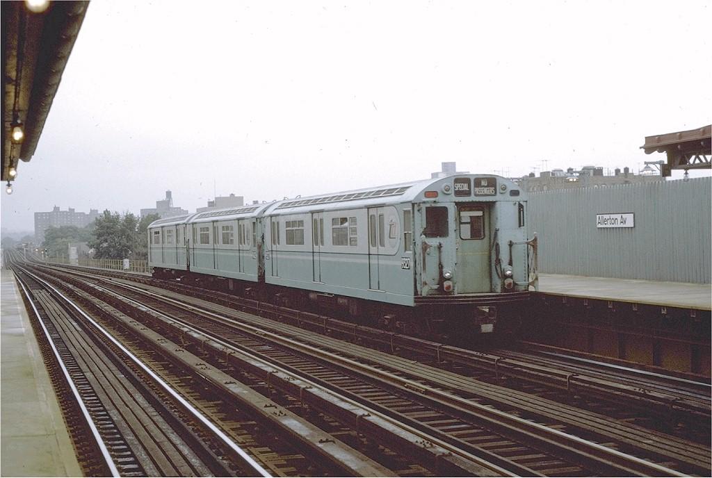 (180k, 1024x688)<br><b>Country:</b> United States<br><b>City:</b> New York<br><b>System:</b> New York City Transit<br><b>Line:</b> IRT White Plains Road Line<br><b>Location:</b> Allerton Avenue<br><b>Route:</b> Fan Trip<br><b>Car:</b> R-33 World's Fair (St. Louis, 1963-64) 9327 <br><b>Photo by:</b> Joe Testagrose<br><b>Date:</b> 9/20/1971<br><b>Viewed (this week/total):</b> 0 / 2797