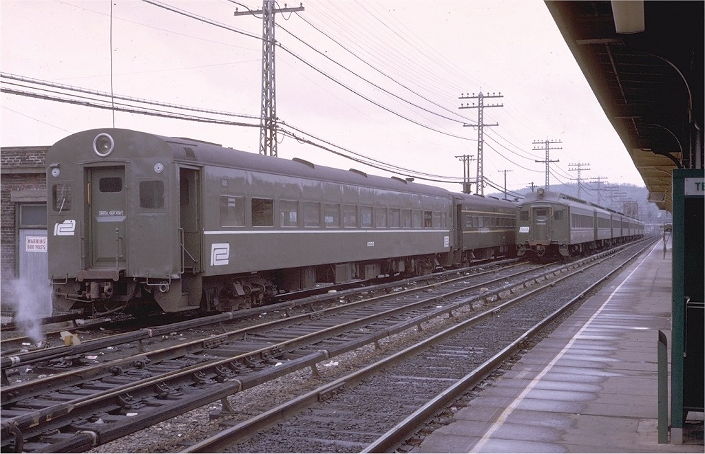 (199k, 1024x660)<br><b>Country:</b> United States<br><b>System:</b> Metro-North Railroad (or Amtrak or Predecessor RR)<br><b>Line:</b> Metro North-Hudson Line<br><b>Location:</b> Croton-Harmon<br><b>Car:</b> MNRR ACMU 1085 <br><b>Photo by:</b> Steve Zabel<br><b>Collection of:</b> Joe Testagrose<br><b>Date:</b> 5/3/1970<br><b>Viewed (this week/total):</b> 2 / 2743