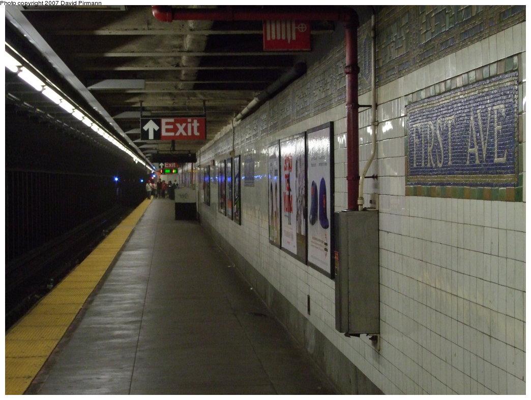 (163k, 1044x788)<br><b>Country:</b> United States<br><b>City:</b> New York<br><b>System:</b> New York City Transit<br><b>Line:</b> BMT Canarsie Line<br><b>Location:</b> 1st Avenue<br><b>Photo by:</b> David Pirmann<br><b>Date:</b> 8/14/2007<br><b>Viewed (this week/total):</b> 0 / 2321