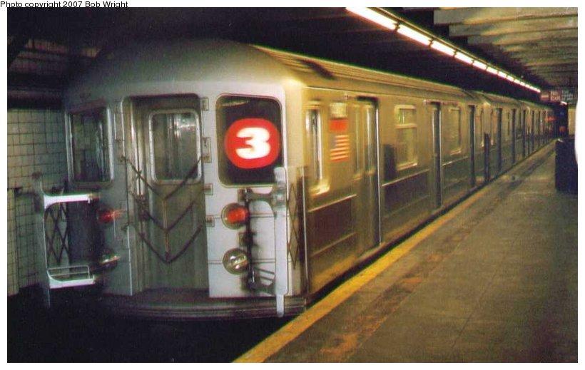 (75k, 820x519)<br><b>Country:</b> United States<br><b>City:</b> New York<br><b>System:</b> New York City Transit<br><b>Line:</b> IRT Brooklyn Line<br><b>Location:</b> Bergen Street<br><b>Route:</b> 3<br><b>Car:</b> R-62 (Kawasaki, 1983-1985) 1480 <br><b>Photo by:</b> Bob Wright<br><b>Date:</b> 3/2005<br><b>Viewed (this week/total):</b> 0 / 3363