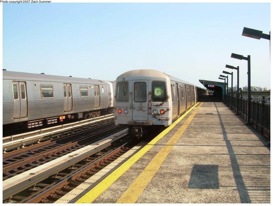 (228k, 1044x788)<br><b>Country:</b> United States<br><b>City:</b> New York<br><b>System:</b> New York City Transit<br><b>Line:</b> BMT Culver Line<br><b>Location:</b> Avenue P<br><b>Route:</b> G<br><b>Car:</b> R-46 (Pullman-Standard, 1974-75) 5968 <br><b>Photo by:</b> Zach Summer<br><b>Date:</b> 8/12/2007<br><b>Viewed (this week/total):</b> 3 / 2290