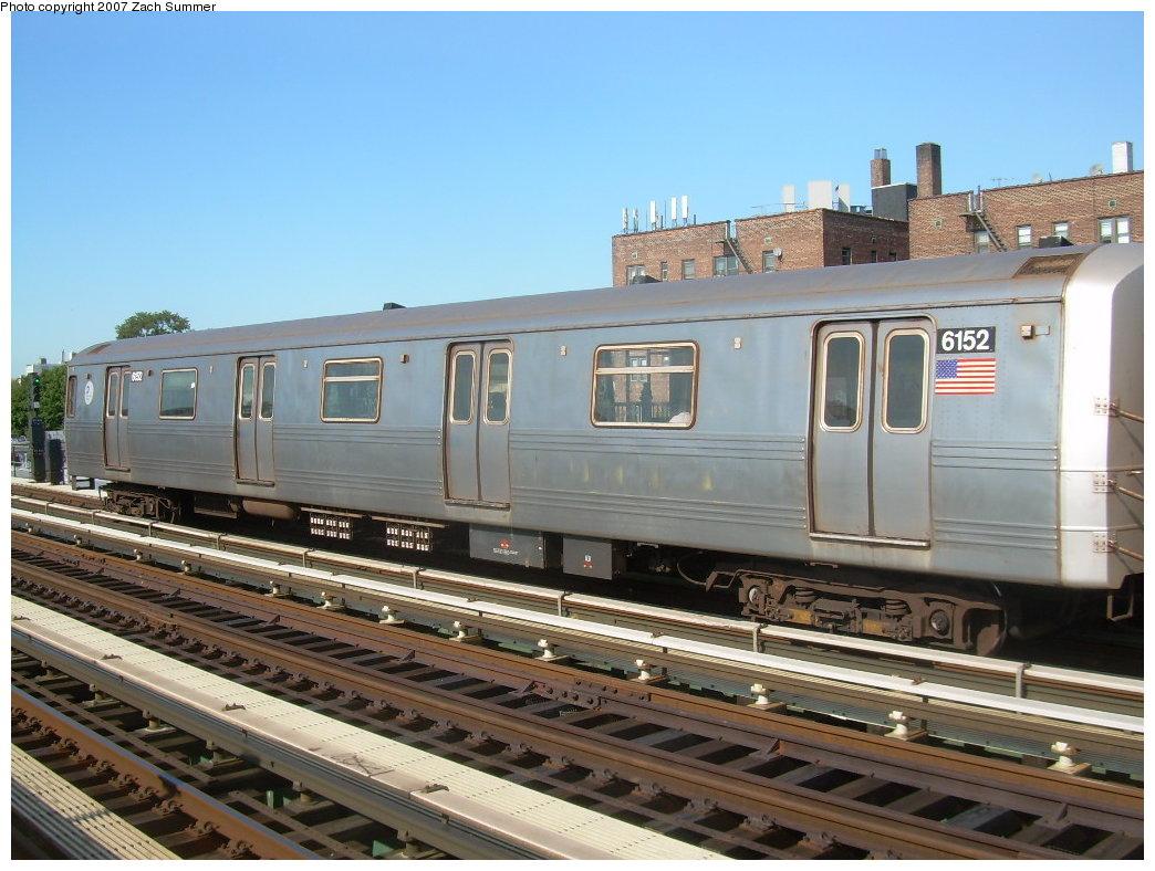 (208k, 1044x788)<br><b>Country:</b> United States<br><b>City:</b> New York<br><b>System:</b> New York City Transit<br><b>Line:</b> BMT Culver Line<br><b>Location:</b> Avenue P<br><b>Route:</b> G<br><b>Car:</b> R-46 (Pullman-Standard, 1974-75) 6152 <br><b>Photo by:</b> Zach Summer<br><b>Date:</b> 8/12/2007<br><b>Viewed (this week/total):</b> 3 / 2181
