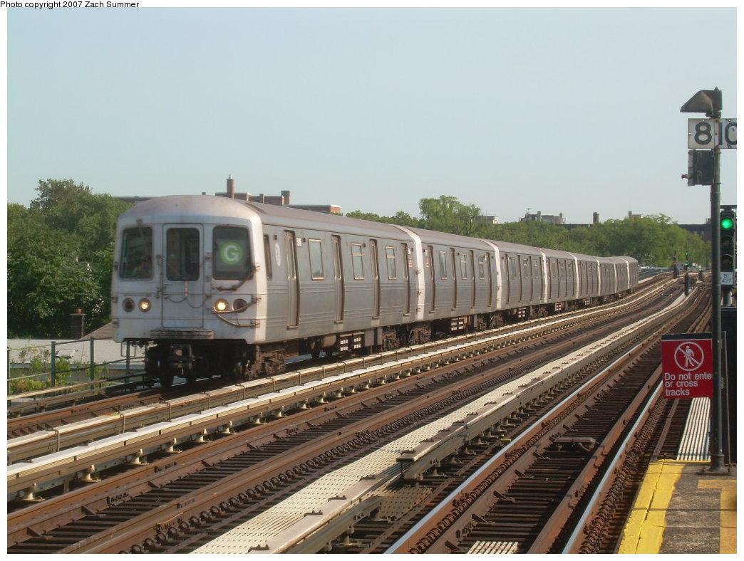 (212k, 1044x788)<br><b>Country:</b> United States<br><b>City:</b> New York<br><b>System:</b> New York City Transit<br><b>Line:</b> BMT Culver Line<br><b>Location:</b> Avenue P<br><b>Route:</b> G<br><b>Car:</b> R-46 (Pullman-Standard, 1974-75)  <br><b>Photo by:</b> Zach Summer<br><b>Date:</b> 8/12/2007<br><b>Viewed (this week/total):</b> 1 / 1924