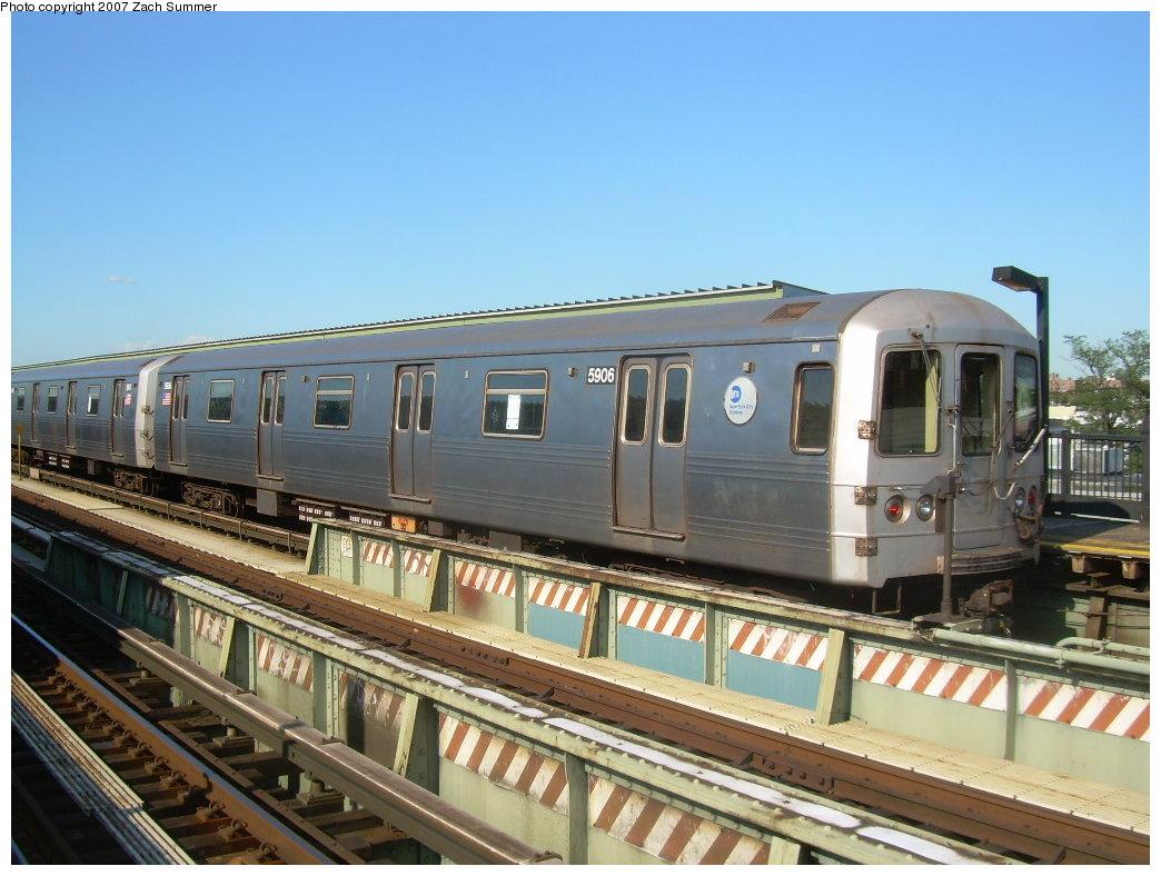 (205k, 1044x788)<br><b>Country:</b> United States<br><b>City:</b> New York<br><b>System:</b> New York City Transit<br><b>Line:</b> BMT Culver Line<br><b>Location:</b> Avenue X<br><b>Route:</b> G<br><b>Car:</b> R-46 (Pullman-Standard, 1974-75) 5906 <br><b>Photo by:</b> Zach Summer<br><b>Date:</b> 8/12/2007<br><b>Viewed (this week/total):</b> 4 / 1753
