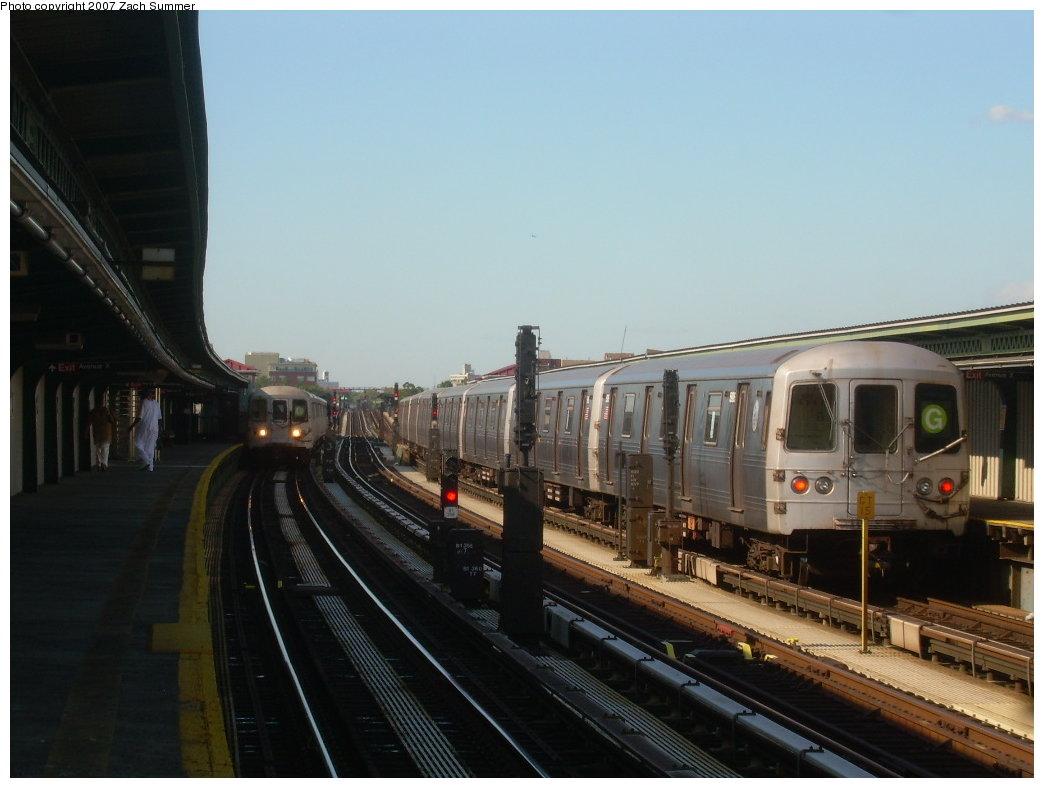 (164k, 1044x788)<br><b>Country:</b> United States<br><b>City:</b> New York<br><b>System:</b> New York City Transit<br><b>Line:</b> BMT Culver Line<br><b>Location:</b> Avenue X<br><b>Route:</b> G<br><b>Car:</b> R-46 (Pullman-Standard, 1974-75) 5906 <br><b>Photo by:</b> Zach Summer<br><b>Date:</b> 8/12/2007<br><b>Viewed (this week/total):</b> 2 / 2643