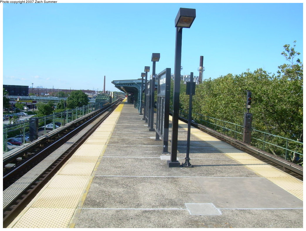 (255k, 1044x788)<br><b>Country:</b> United States<br><b>City:</b> New York<br><b>System:</b> New York City Transit<br><b>Line:</b> BMT Culver Line<br><b>Location:</b> Neptune Avenue<br><b>Photo by:</b> Zach Summer<br><b>Date:</b> 8/12/2007<br><b>Viewed (this week/total):</b> 5 / 1596