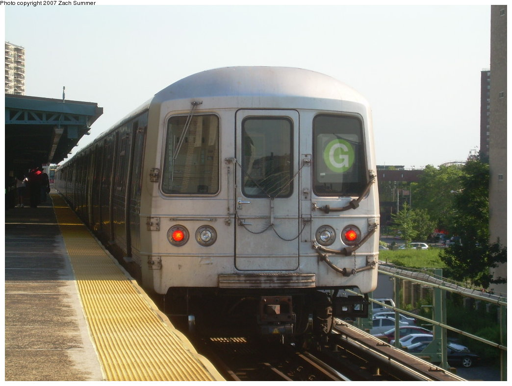 (184k, 1044x788)<br><b>Country:</b> United States<br><b>City:</b> New York<br><b>System:</b> New York City Transit<br><b>Line:</b> BMT Culver Line<br><b>Location:</b> Neptune Avenue<br><b>Route:</b> G<br><b>Car:</b> R-46 (Pullman-Standard, 1974-75)  <br><b>Photo by:</b> Zach Summer<br><b>Date:</b> 8/12/2007<br><b>Viewed (this week/total):</b> 0 / 1881