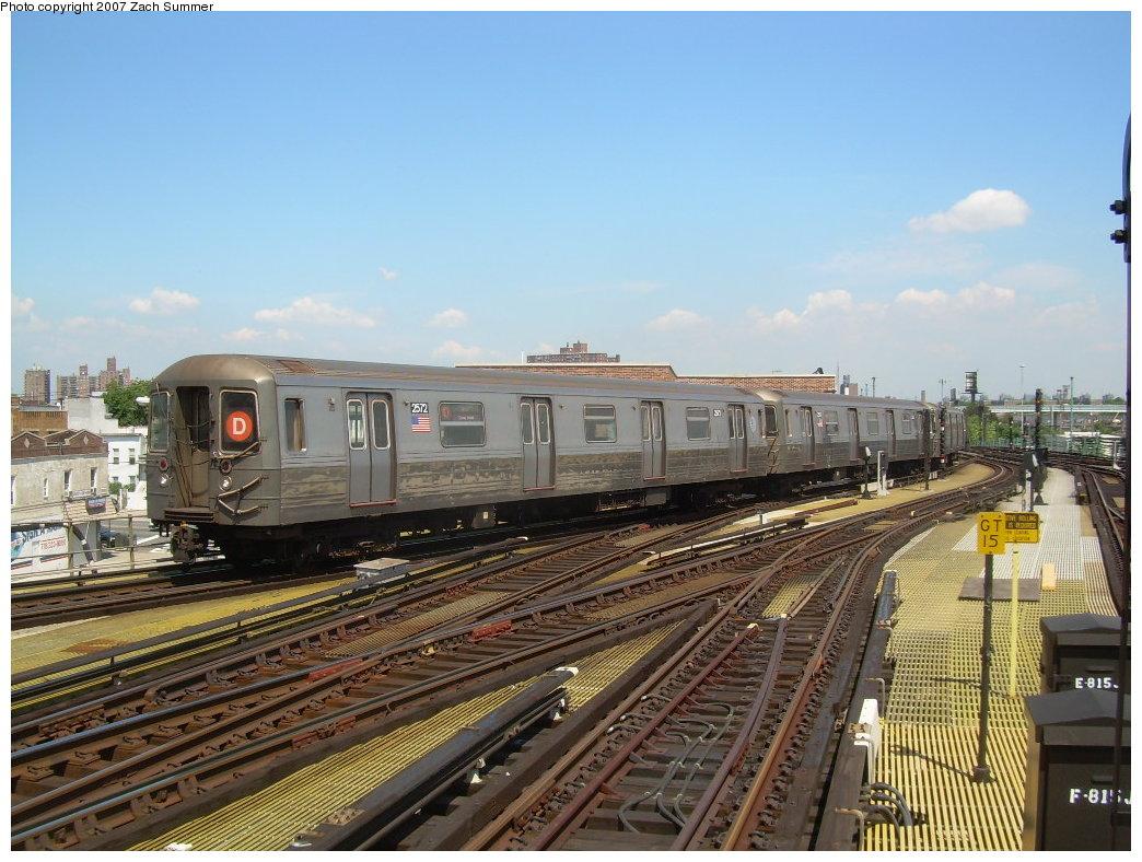 (225k, 1044x788)<br><b>Country:</b> United States<br><b>City:</b> New York<br><b>System:</b> New York City Transit<br><b>Location:</b> Coney Island/Stillwell Avenue<br><b>Route:</b> D<br><b>Car:</b> R-68 (Westinghouse-Amrail, 1986-1988) 2572 <br><b>Photo by:</b> Zach Summer<br><b>Date:</b> 8/12/2007<br><b>Viewed (this week/total):</b> 5 / 2075