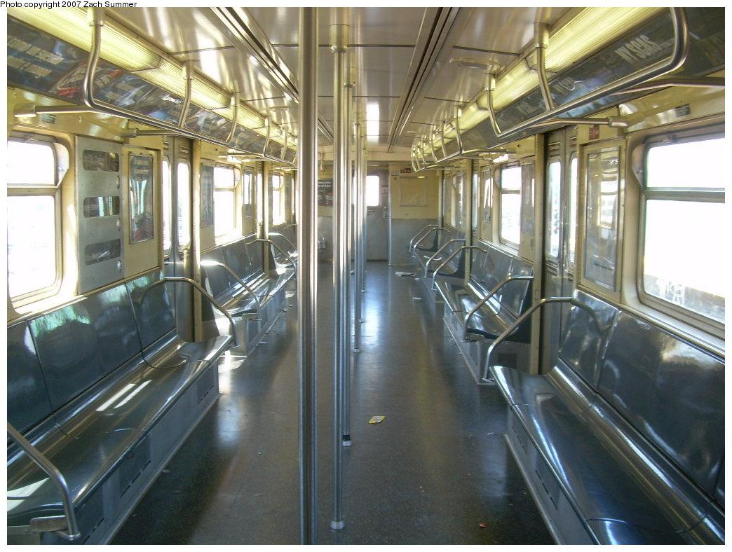 (218k, 1044x788)<br><b>Country:</b> United States<br><b>City:</b> New York<br><b>System:</b> New York City Transit<br><b>Route:</b> G<br><b>Car:</b> R-32 (Budd, 1964) 3501 <br><b>Photo by:</b> Zach Summer<br><b>Date:</b> 8/12/2007<br><b>Viewed (this week/total):</b> 5 / 2254