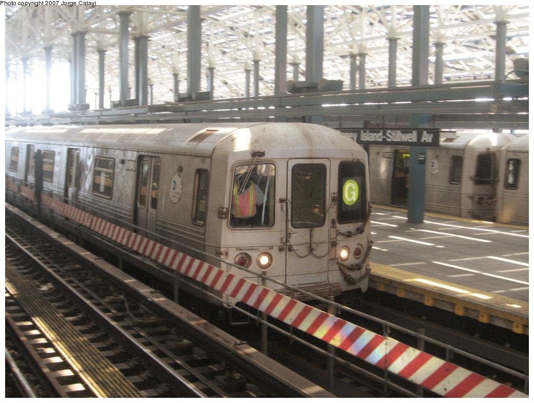 (170k, 1044x788)<br><b>Country:</b> United States<br><b>City:</b> New York<br><b>System:</b> New York City Transit<br><b>Location:</b> Coney Island/Stillwell Avenue<br><b>Route:</b> G<br><b>Car:</b> R-46 (Pullman-Standard, 1974-75) 6140 <br><b>Photo by:</b> Jorge Catayi<br><b>Date:</b> 8/12/2007<br><b>Viewed (this week/total):</b> 2 / 2185