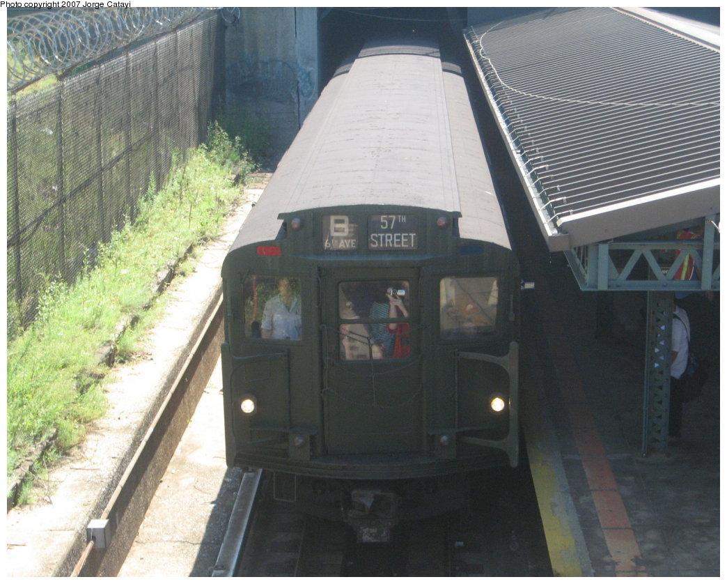 (186k, 1044x838)<br><b>Country:</b> United States<br><b>City:</b> New York<br><b>System:</b> New York City Transit<br><b>Line:</b> BMT West End Line<br><b>Location:</b> 9th Avenue<br><b>Route:</b> Fan Trip<br><b>Car:</b> R-9 (Pressed Steel, 1940) 1802 <br><b>Photo by:</b> Jorge Catayi<br><b>Date:</b> 8/12/2007<br><b>Viewed (this week/total):</b> 4 / 2622