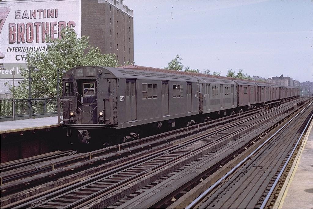 (270k, 1024x685)<br><b>Country:</b> United States<br><b>City:</b> New York<br><b>System:</b> New York City Transit<br><b>Line:</b> IRT Woodlawn Line<br><b>Location:</b> 170th Street<br><b>Route:</b> 4<br><b>Car:</b> R-22 (St. Louis, 1957-58) 7657 <br><b>Photo by:</b> Joe Testagrose<br><b>Date:</b> 6/5/1971<br><b>Viewed (this week/total):</b> 1 / 17137