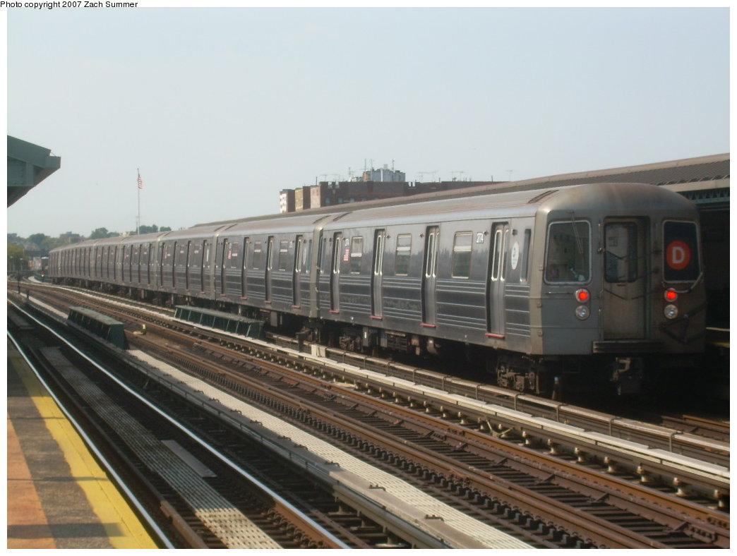 (174k, 1044x788)<br><b>Country:</b> United States<br><b>City:</b> New York<br><b>System:</b> New York City Transit<br><b>Line:</b> BMT West End Line<br><b>Location:</b> 20th Avenue<br><b>Route:</b> D<br><b>Car:</b> R-68 (Westinghouse-Amrail, 1986-1988) 2774 <br><b>Photo by:</b> Zach Summer<br><b>Date:</b> 8/29/2007<br><b>Viewed (this week/total):</b> 1 / 1964