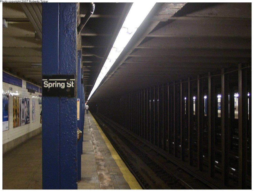 (157k, 1044x788)<br><b>Country:</b> United States<br><b>City:</b> New York<br><b>System:</b> New York City Transit<br><b>Line:</b> IND 8th Avenue Line<br><b>Location:</b> Spring Street<br><b>Photo by:</b> Roberto C. Tobar<br><b>Date:</b> 9/5/2007<br><b>Viewed (this week/total):</b> 1 / 3065