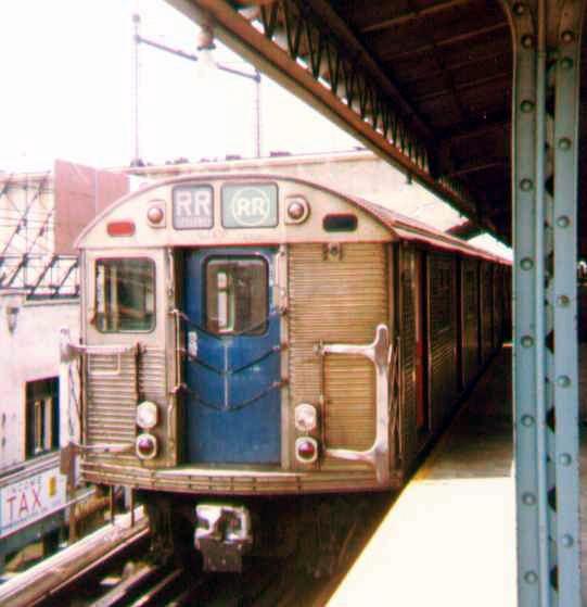 (98k, 541x559)<br><b>Country:</b> United States<br><b>City:</b> New York<br><b>System:</b> New York City Transit<br><b>Line:</b> BMT Astoria Line<br><b>Location:</b> Ditmars Boulevard<br><b>Route:</b> RR<br><b>Car:</b> R-32 (Budd, 1964)  <br><b>Photo by:</b> Bob Wright<br><b>Date:</b> 7/15/1978<br><b>Viewed (this week/total):</b> 0 / 4237