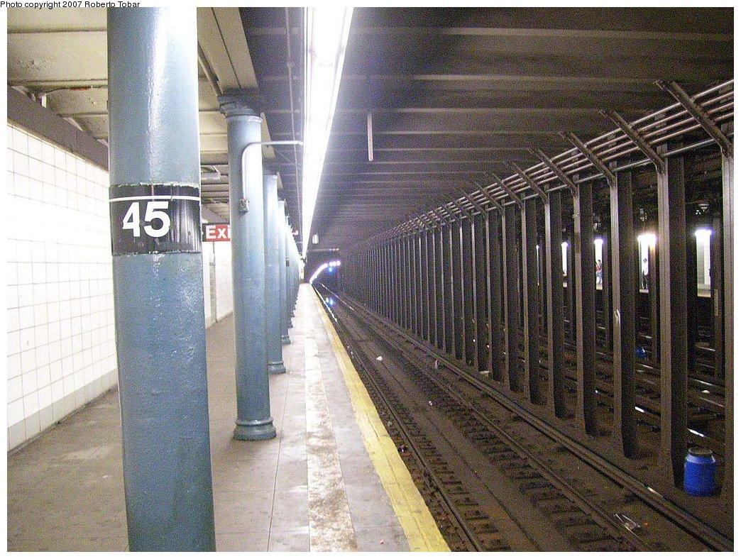 (248k, 1044x788)<br><b>Country:</b> United States<br><b>City:</b> New York<br><b>System:</b> New York City Transit<br><b>Line:</b> BMT 4th Avenue Line<br><b>Location:</b> 45th Street<br><b>Photo by:</b> Roberto C. Tobar<br><b>Date:</b> 9/15/2007<br><b>Viewed (this week/total):</b> 4 / 3146