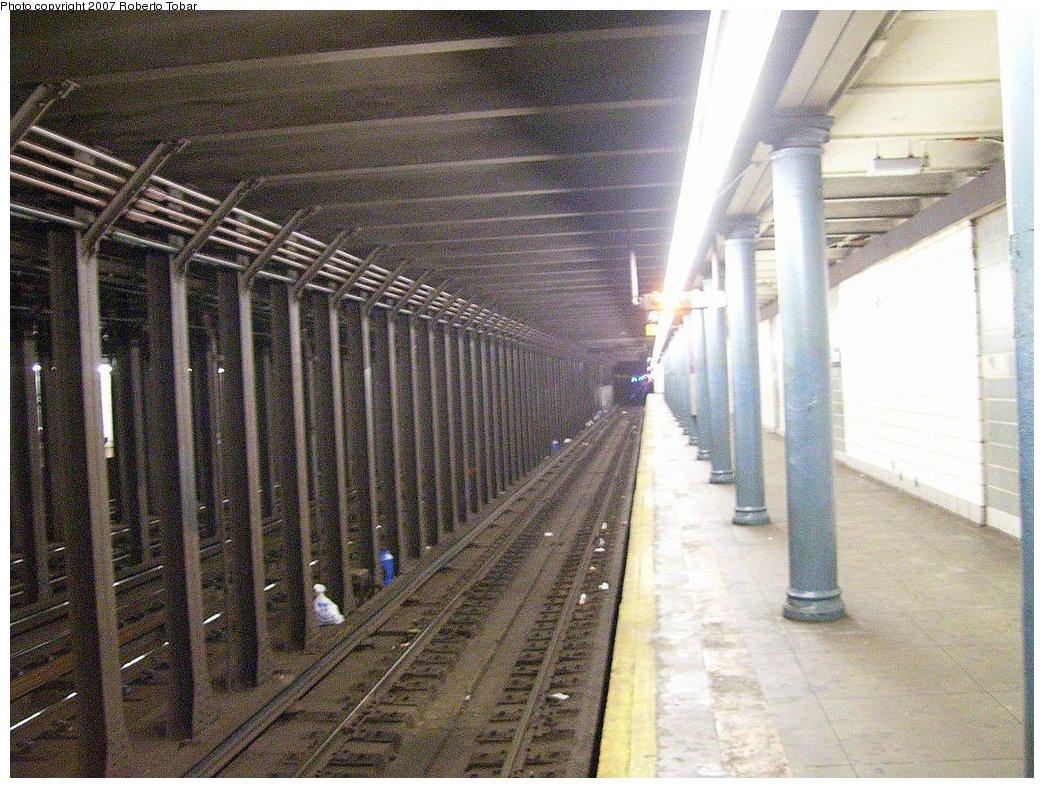 (235k, 1044x788)<br><b>Country:</b> United States<br><b>City:</b> New York<br><b>System:</b> New York City Transit<br><b>Line:</b> BMT 4th Avenue Line<br><b>Location:</b> 45th Street<br><b>Photo by:</b> Roberto C. Tobar<br><b>Date:</b> 9/15/2007<br><b>Viewed (this week/total):</b> 6 / 2865