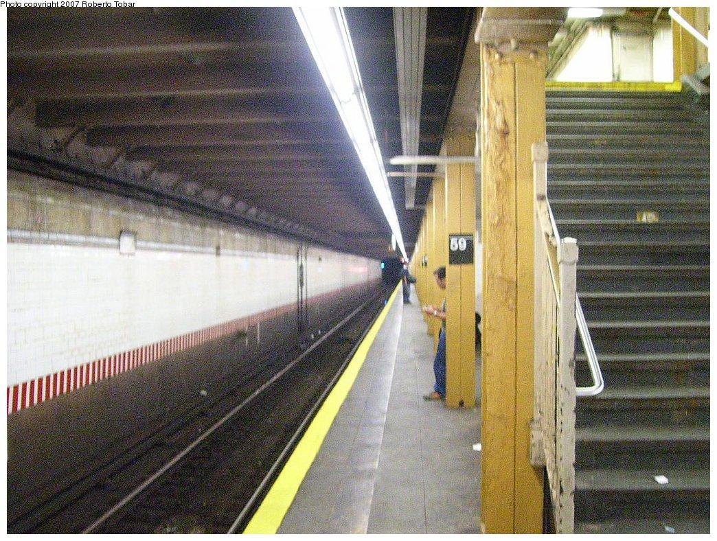 (237k, 1044x788)<br><b>Country:</b> United States<br><b>City:</b> New York<br><b>System:</b> New York City Transit<br><b>Line:</b> BMT 4th Avenue Line<br><b>Location:</b> 59th Street<br><b>Photo by:</b> Roberto C. Tobar<br><b>Date:</b> 9/15/2007<br><b>Viewed (this week/total):</b> 4 / 2290