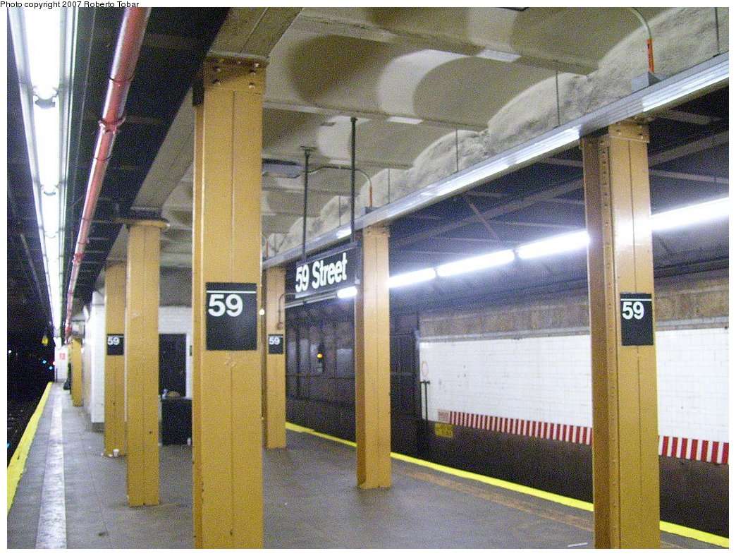 (238k, 1044x788)<br><b>Country:</b> United States<br><b>City:</b> New York<br><b>System:</b> New York City Transit<br><b>Line:</b> BMT 4th Avenue Line<br><b>Location:</b> 59th Street<br><b>Photo by:</b> Roberto C. Tobar<br><b>Date:</b> 9/15/2007<br><b>Viewed (this week/total):</b> 5 / 2577