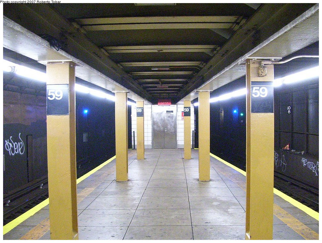 (257k, 1044x788)<br><b>Country:</b> United States<br><b>City:</b> New York<br><b>System:</b> New York City Transit<br><b>Line:</b> BMT 4th Avenue Line<br><b>Location:</b> 59th Street<br><b>Photo by:</b> Roberto C. Tobar<br><b>Date:</b> 9/15/2007<br><b>Viewed (this week/total):</b> 17 / 2626