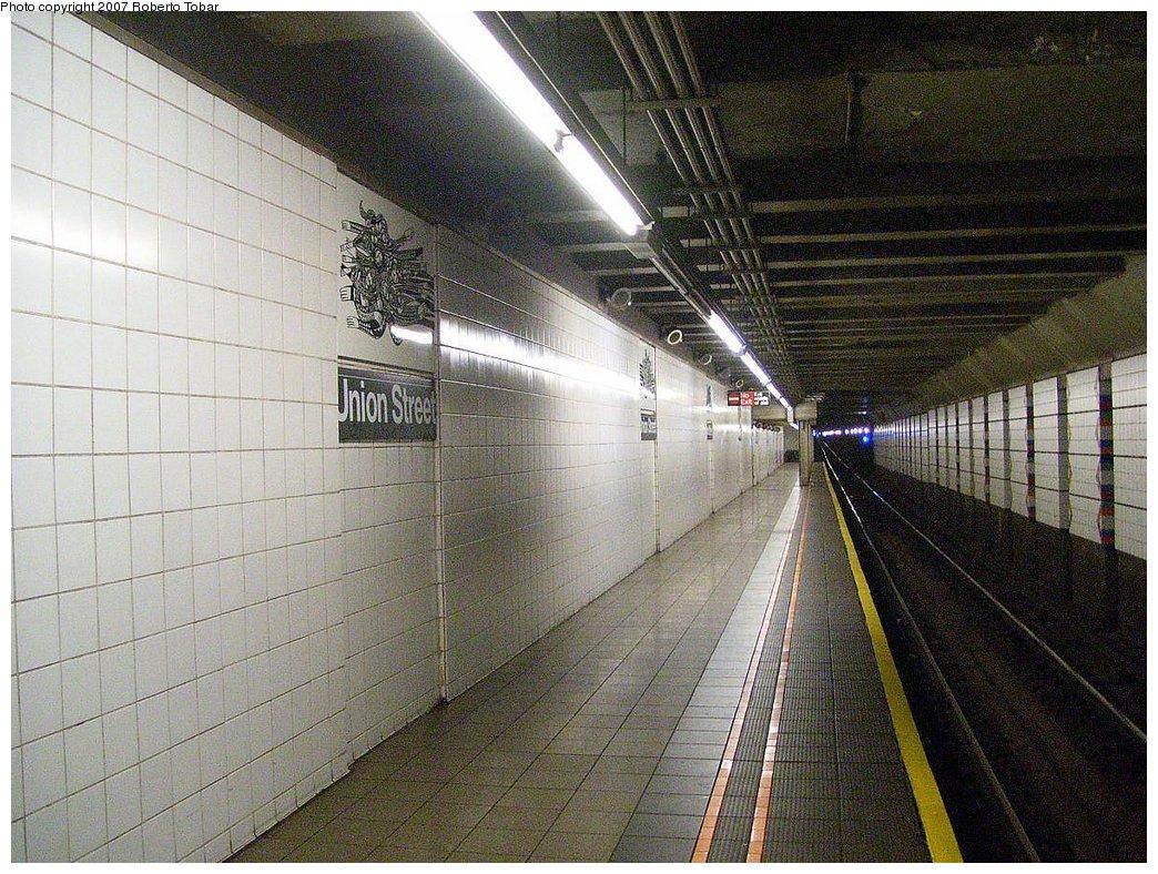 (246k, 1044x788)<br><b>Country:</b> United States<br><b>City:</b> New York<br><b>System:</b> New York City Transit<br><b>Line:</b> BMT 4th Avenue Line<br><b>Location:</b> Union Street<br><b>Photo by:</b> Roberto C. Tobar<br><b>Date:</b> 9/15/2007<br><b>Viewed (this week/total):</b> 7 / 2856