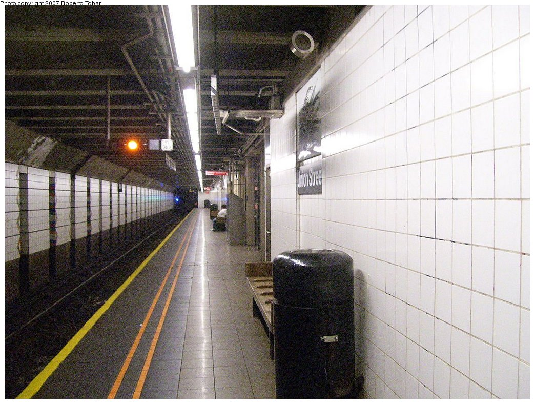 (223k, 1044x788)<br><b>Country:</b> United States<br><b>City:</b> New York<br><b>System:</b> New York City Transit<br><b>Line:</b> BMT 4th Avenue Line<br><b>Location:</b> Union Street<br><b>Photo by:</b> Roberto C. Tobar<br><b>Date:</b> 9/15/2007<br><b>Viewed (this week/total):</b> 8 / 2393