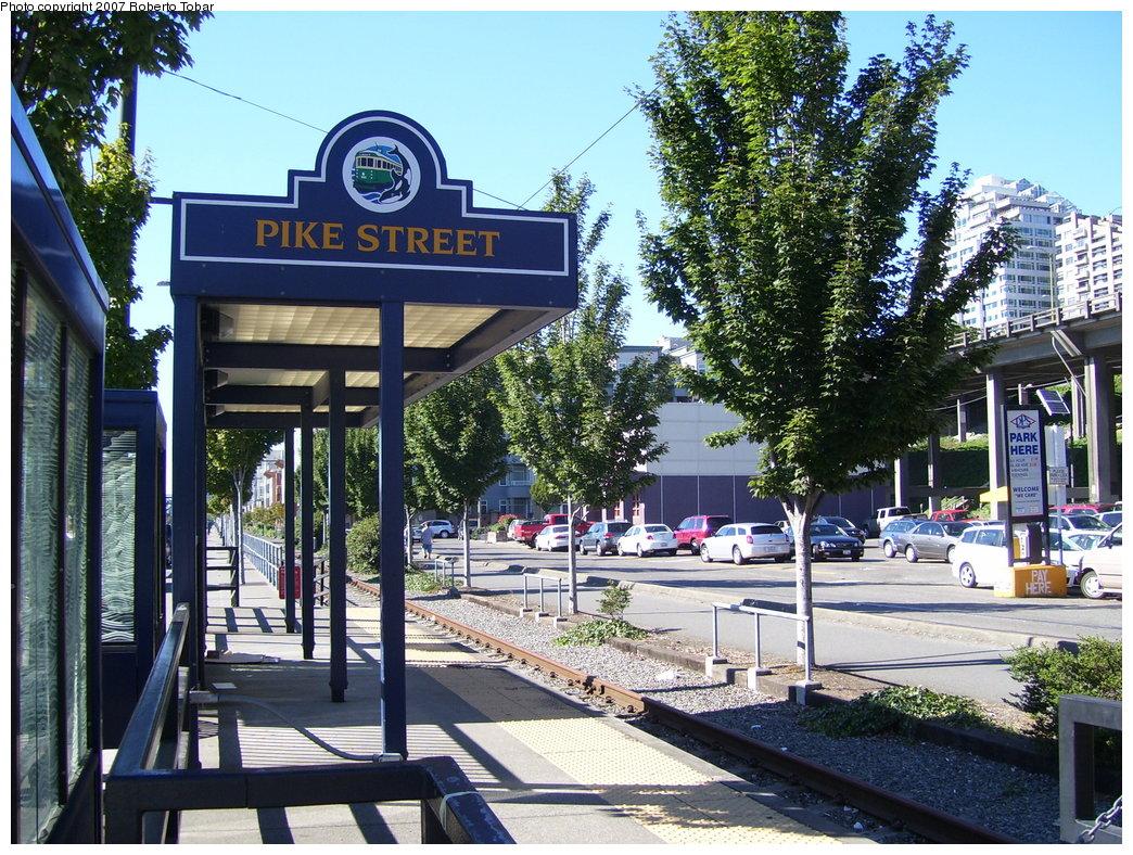 (285k, 1044x788)<br><b>Country:</b> United States<br><b>City:</b> Seattle, WA<br><b>System:</b> Seattle Waterfront Streetcar<br><b>Location:</b> Alaskan Way/Pike<br><b>Photo by:</b> Roberto C. Tobar<br><b>Date:</b> 8/30/2007<br><b>Viewed (this week/total):</b> 1 / 1498