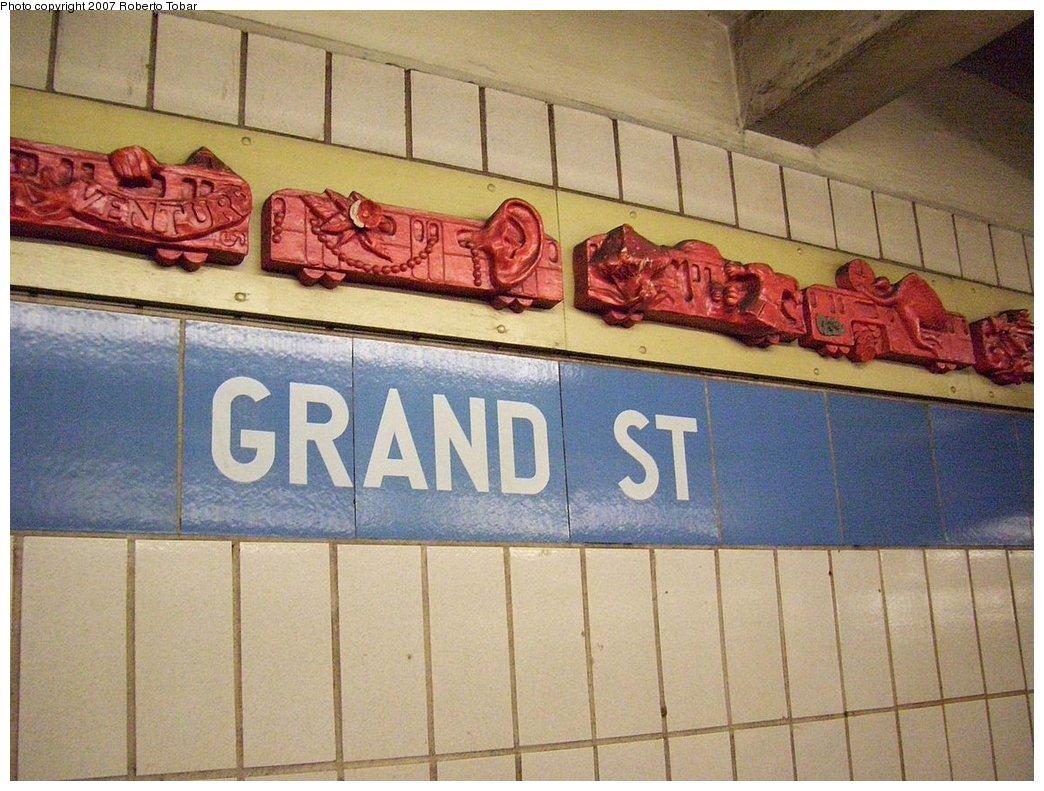 (201k, 1044x791)<br><b>Country:</b> United States<br><b>City:</b> New York<br><b>System:</b> New York City Transit<br><b>Line:</b> IND 6th Avenue Line<br><b>Location:</b> Grand Street<br><b>Photo by:</b> Roberto C. Tobar<br><b>Date:</b> 9/22/2007<br><b>Artwork:</b> <i>Trains of Thought</i>, Gardner/Heller<br><b>Viewed (this week/total):</b> 1 / 3033