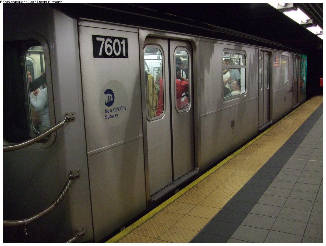 (150k, 1044x788)<br><b>Country:</b> United States<br><b>City:</b> New York<br><b>System:</b> New York City Transit<br><b>Line:</b> IRT East Side Line<br><b>Location:</b> 86th Street<br><b>Route:</b> 6<br><b>Car:</b> R-142A (Primary Order, Kawasaki, 1999-2002) 7601 <br><b>Photo by:</b> David Pirmann<br><b>Date:</b> 9/21/2007<br><b>Viewed (this week/total):</b> 1 / 3238