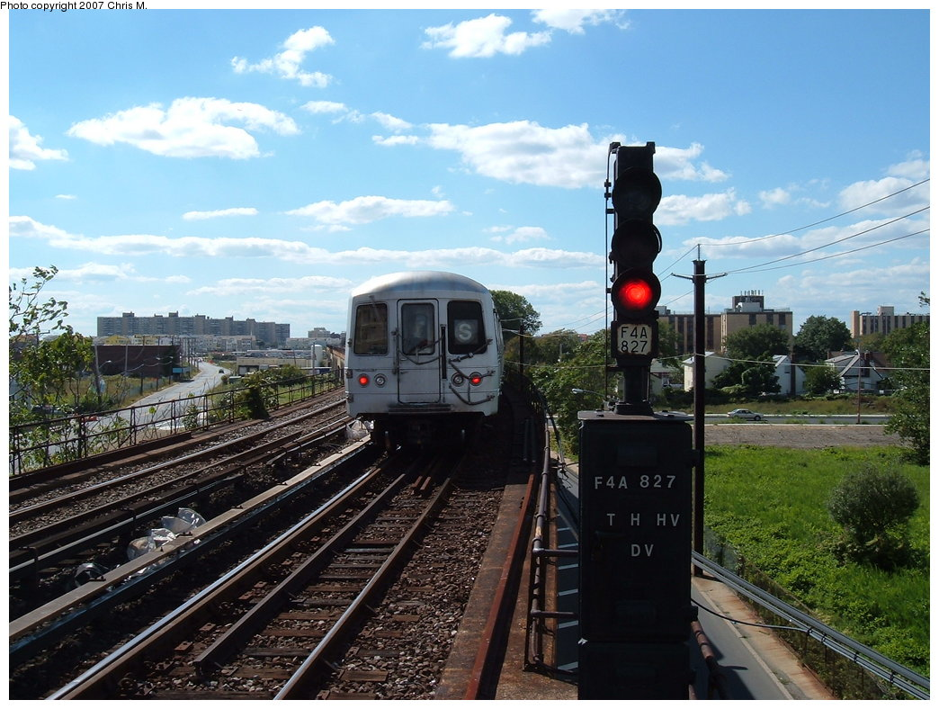 (207k, 1044x788)<br><b>Country:</b> United States<br><b>City:</b> New York<br><b>System:</b> New York City Transit<br><b>Line:</b> IND Rockaway Line<br><b>Location:</b> Beach 60th Street/Straiton<br><b>Route:</b> S<br><b>Car:</b> R-44 (St. Louis, 1971-73)  <br><b>Photo by:</b> Chris M.<br><b>Date:</b> 9/15/2007<br><b>Viewed (this week/total):</b> 7 / 2152