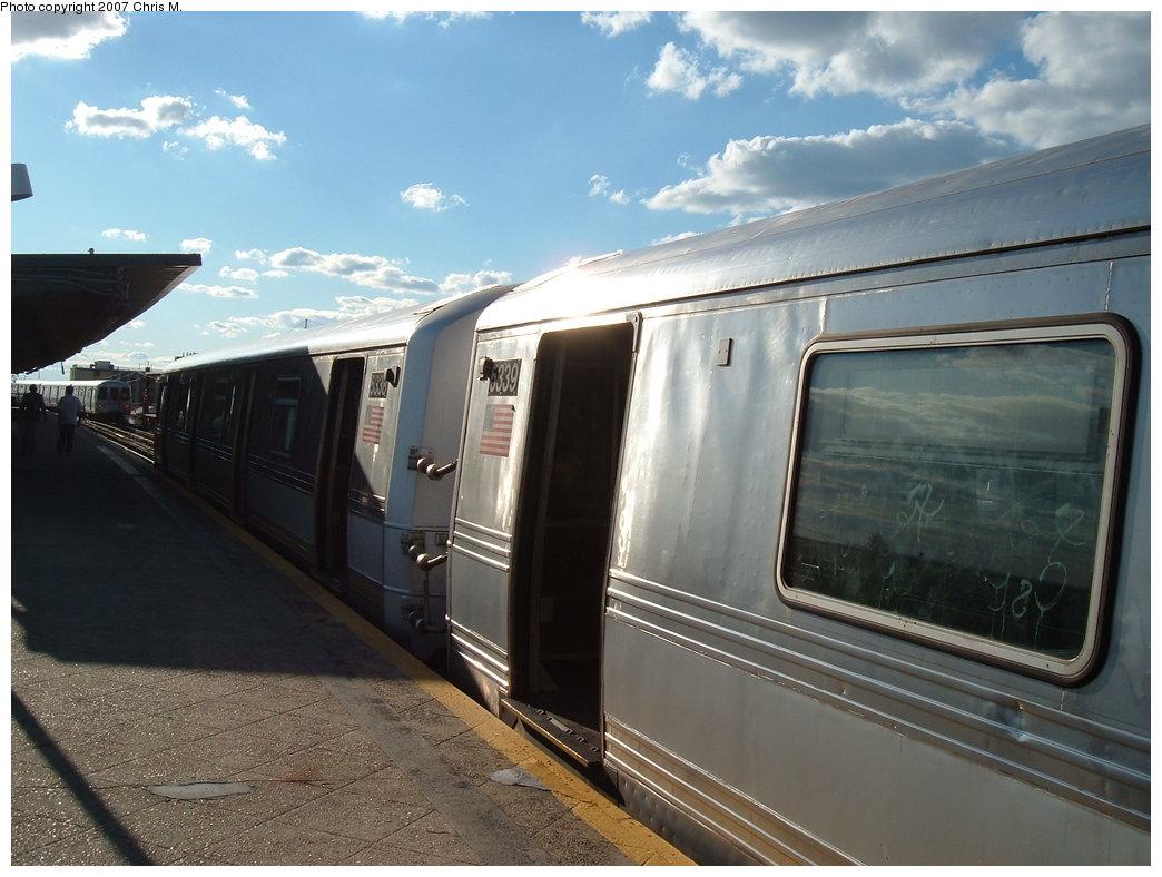 (163k, 1044x788)<br><b>Country:</b> United States<br><b>City:</b> New York<br><b>System:</b> New York City Transit<br><b>Line:</b> IND Rockaway Line<br><b>Location:</b> Beach 60th Street/Straiton<br><b>Route:</b> S<br><b>Car:</b> R-44 (St. Louis, 1971-73) 5339 <br><b>Photo by:</b> Chris M.<br><b>Date:</b> 9/15/2007<br><b>Viewed (this week/total):</b> 5 / 2450