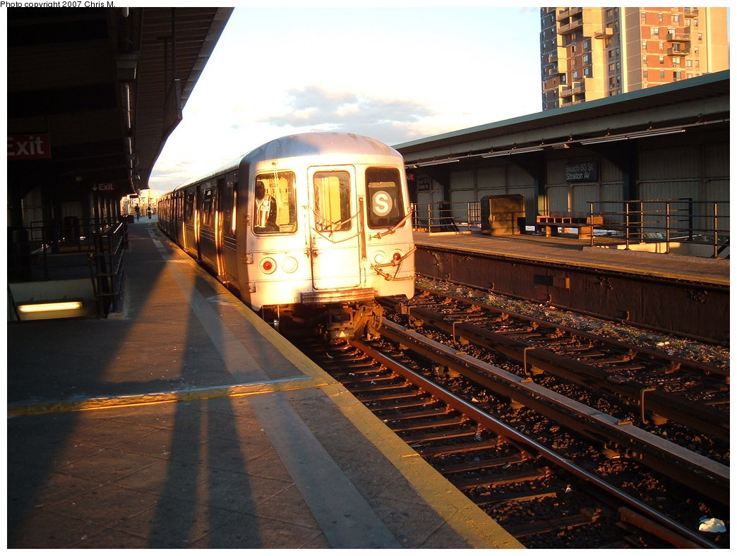 (195k, 1044x788)<br><b>Country:</b> United States<br><b>City:</b> New York<br><b>System:</b> New York City Transit<br><b>Line:</b> IND Rockaway Line<br><b>Location:</b> Beach 60th Street/Straiton<br><b>Route:</b> S<br><b>Car:</b> R-44 (St. Louis, 1971-73) 5322 <br><b>Photo by:</b> Chris M.<br><b>Date:</b> 9/15/2007<br><b>Viewed (this week/total):</b> 6 / 1863