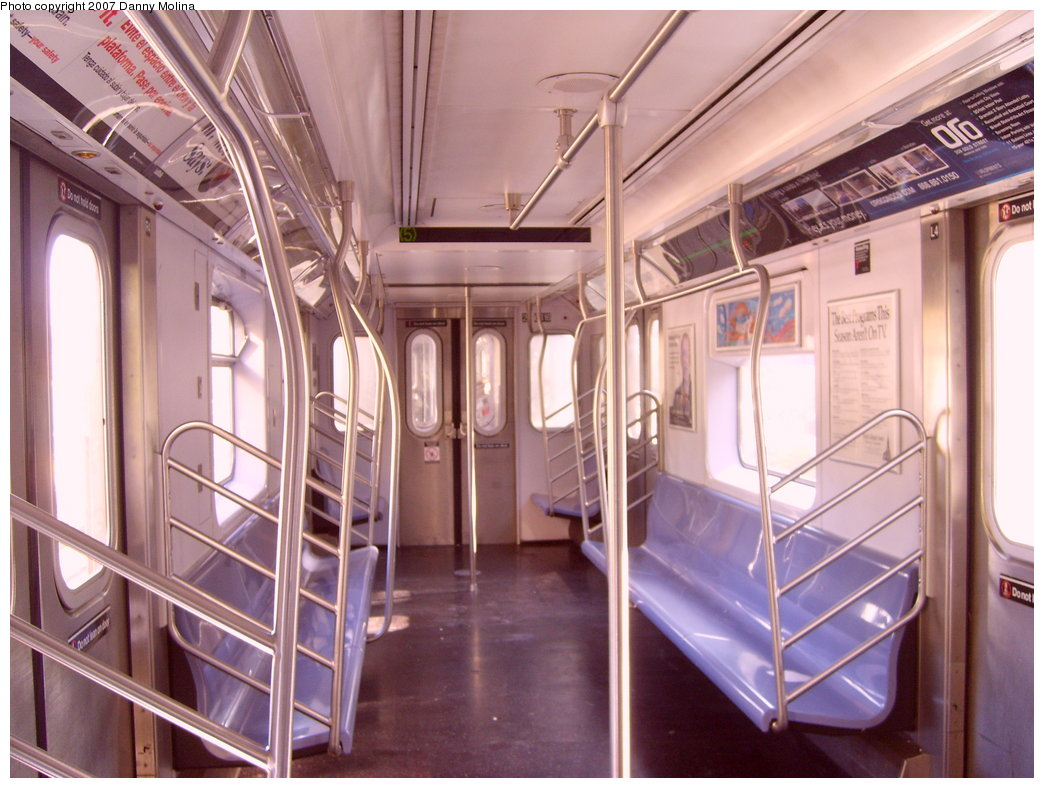 (212k, 1044x788)<br><b>Country:</b> United States<br><b>City:</b> New York<br><b>System:</b> New York City Transit<br><b>Route:</b> 5<br><b>Car:</b> R-142 (Primary Order, Bombardier, 1999-2002) 6616 <br><b>Photo by:</b> Danny Molina<br><b>Date:</b> 9/20/2007<br><b>Viewed (this week/total):</b> 1 / 3392