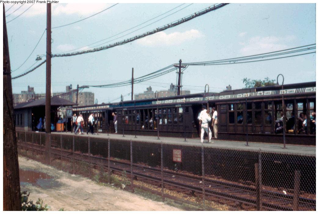 (196k, 1044x700)<br><b>Country:</b> United States<br><b>City:</b> New York<br><b>System:</b> New York City Transit<br><b>Line:</b> BMT Canarsie Line<br><b>Location:</b> East 105th Street<br><b>Route:</b> Fan Trip<br><b>Car:</b> BMT Elevated Gate Car 1316 <br><b>Photo by:</b> Frank Pfuhler<br><b>Date:</b> 3/20/1955<br><b>Viewed (this week/total):</b> 0 / 3310