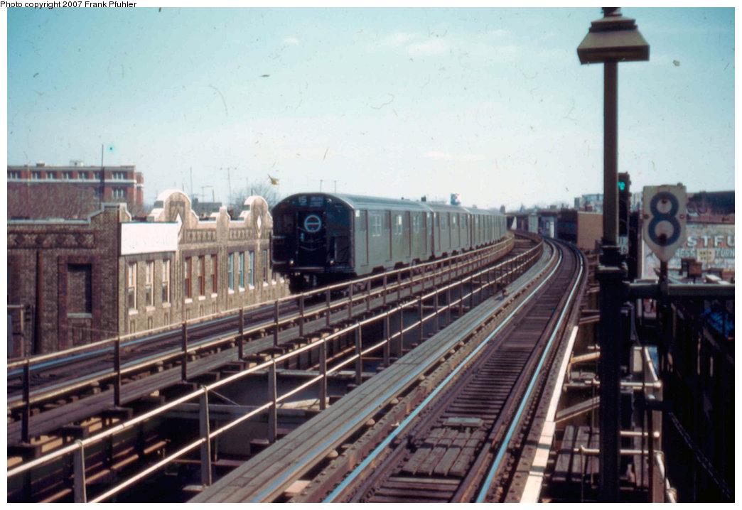 (200k, 1044x718)<br><b>Country:</b> United States<br><b>City:</b> New York<br><b>System:</b> New York City Transit<br><b>Line:</b> BMT Nassau Street-Jamaica Line<br><b>Location:</b> 102nd-104th Streets<br><b>Car:</b> R-16 (American Car & Foundry, 1955)  <br><b>Photo by:</b> Frank Pfuhler<br><b>Date:</b> 3/20/1955<br><b>Viewed (this week/total):</b> 0 / 3849
