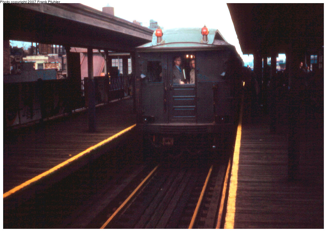 (185k, 1044x741)<br><b>Country:</b> United States<br><b>City:</b> New York<br><b>System:</b> New York City Transit<br><b>Line:</b> 3rd Avenue El<br><b>Location:</b> 125th Street<br><b>Route:</b> Fan Trip<br><b>Car:</b> BMT Q  <br><b>Photo by:</b> Frank Pfuhler<br><b>Date:</b> 3/27/1955<br><b>Notes:</b> Southbound express.<br><b>Viewed (this week/total):</b> 0 / 3288
