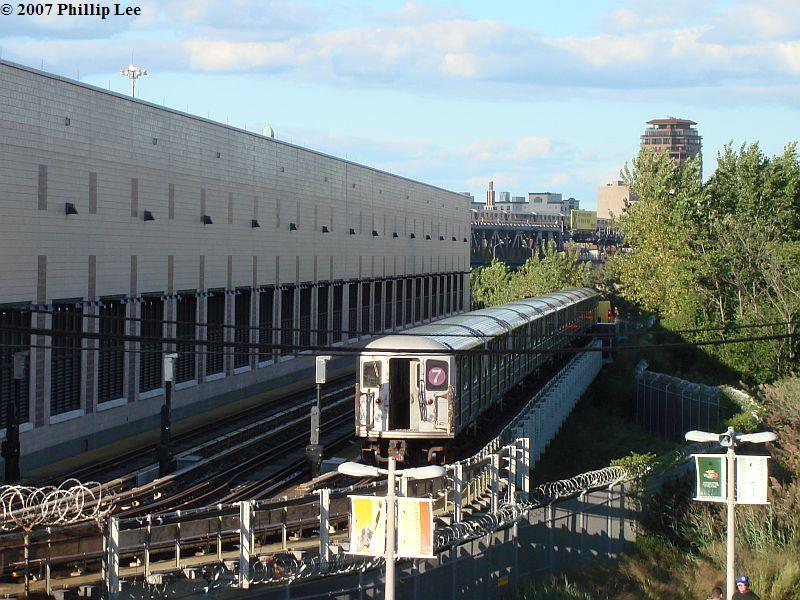 (125k, 800x600)<br><b>Country:</b> United States<br><b>City:</b> New York<br><b>System:</b> New York City Transit<br><b>Location:</b> Corona Yard<br><b>Car:</b> R-62A (Bombardier, 1984-1987)  <br><b>Photo by:</b> Phillip Lee<br><b>Date:</b> 9/15/2007<br><b>Viewed (this week/total):</b> 8 / 2749
