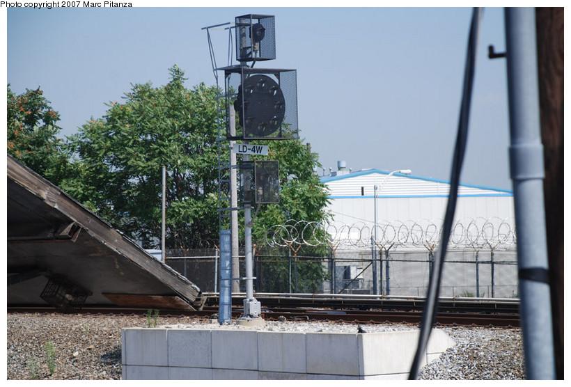 (153k, 820x556)<br><b>Country:</b> United States<br><b>City:</b> New York<br><b>System:</b> New York City Transit<br><b>Line:</b> SIRT<br><b>Location:</b> Clifton Yard/Shops<br><b>Photo by:</b> Marc Pitanza<br><b>Date:</b> 8/29/2007<br><b>Viewed (this week/total):</b> 0 / 2358