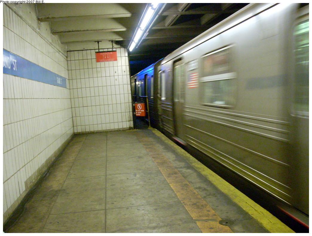 (260k, 1044x788)<br><b>Country:</b> United States<br><b>City:</b> New York<br><b>System:</b> New York City Transit<br><b>Line:</b> IND 6th Avenue Line<br><b>Location:</b> Grand Street<br><b>Photo by:</b> Bill E.<br><b>Date:</b> 11/25/2007<br><b>Viewed (this week/total):</b> 0 / 3146