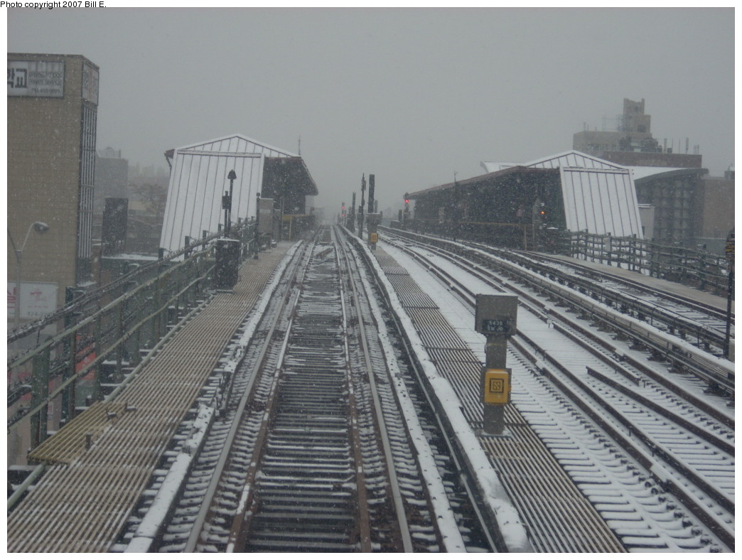 (234k, 1044x788)<br><b>Country:</b> United States<br><b>City:</b> New York<br><b>System:</b> New York City Transit<br><b>Line:</b> IRT Flushing Line<br><b>Location:</b> 74th Street/Broadway<br><b>Photo by:</b> Bill E.<br><b>Date:</b> 12/2/2007<br><b>Viewed (this week/total):</b> 3 / 2076