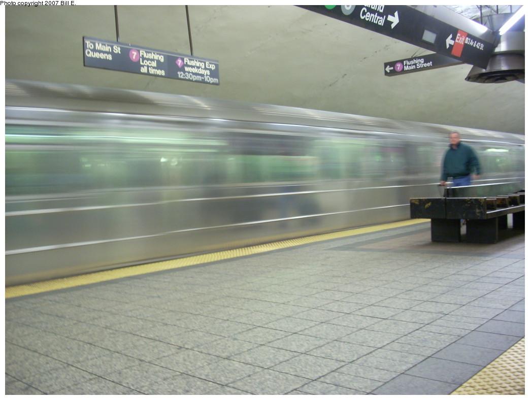 (196k, 1044x788)<br><b>Country:</b> United States<br><b>City:</b> New York<br><b>System:</b> New York City Transit<br><b>Line:</b> IRT Flushing Line<br><b>Location:</b> Grand Central<br><b>Route:</b> 7<br><b>Car:</b> R-62A (Bombardier, 1984-1987)  <br><b>Photo by:</b> Bill E.<br><b>Date:</b> 12/2/2007<br><b>Viewed (this week/total):</b> 2 / 2953