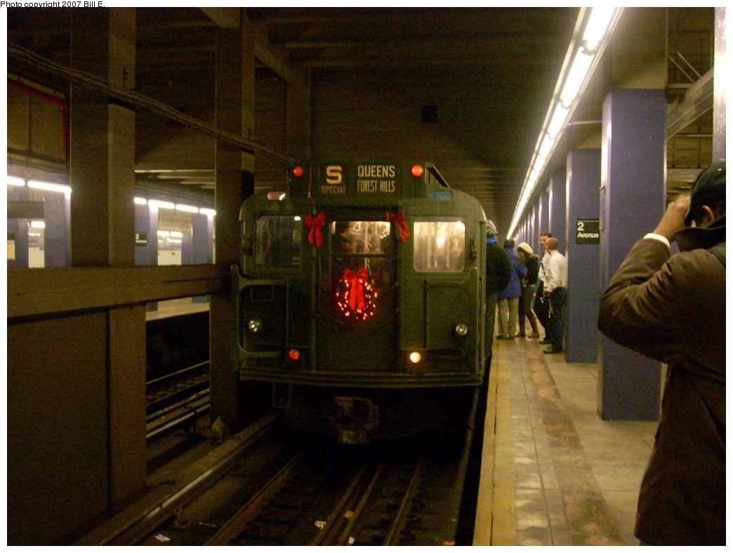 (247k, 1044x788)<br><b>Country:</b> United States<br><b>City:</b> New York<br><b>System:</b> New York City Transit<br><b>Line:</b> IND 6th Avenue Line<br><b>Location:</b> 2nd Avenue<br><b>Route:</b> Museum Train Service (V)<br><b>Car:</b> R-9 (Pressed Steel, 1940) 1802 <br><b>Photo by:</b> Bill E.<br><b>Date:</b> 12/2/2007<br><b>Notes:</b> Train in regular passenger service for the holidays - not technically a fan trip.<br><b>Viewed (this week/total):</b> 4 / 2264